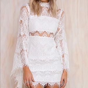 MINKPINK EDGE OF DESIRE WHITE LACE DRESS XS NWT